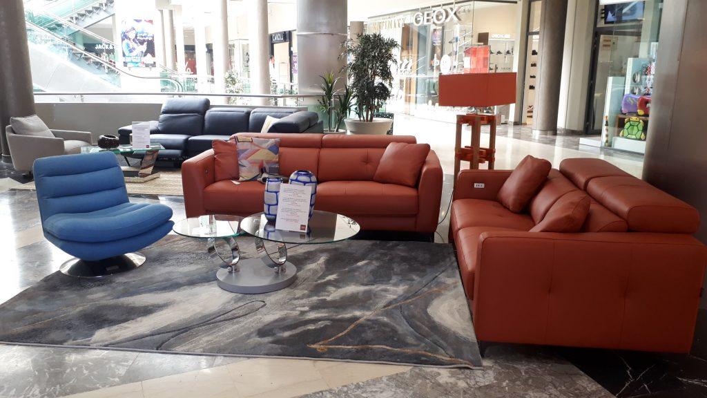 Cuir Center, Inspiré du design scandinave, propose, en exclusivité au Maroc, la collection des salons en cuir de grande qualité de Cuir Center.
